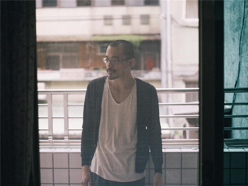 王天寬【圖書類│金典獎】《開房間》(有鹿出版)
