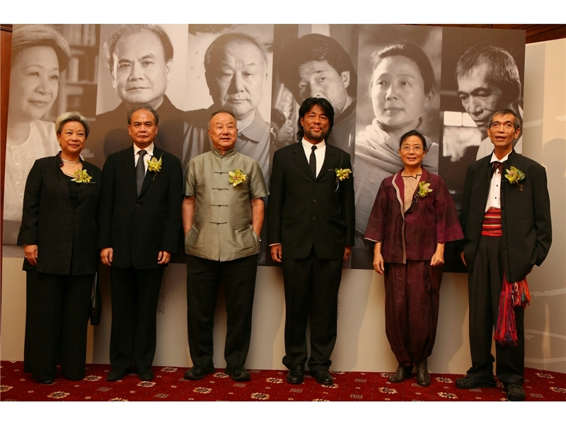 <p>&nbsp;</p> <p>(note:Photograph provided by Shih Shu-ching; Photograph of winners of the 12th National Culture and Arts Reward: Shih Shu-ching, Lee Tsu-yuan, Liu Kuo-Song, Mark Lee Ping-Bing, Liu Ruo-yu and Lee Tai-Hsiang)</p>