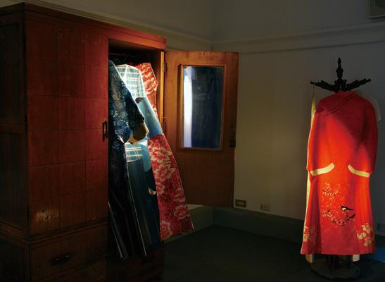 為時代女性裁衣