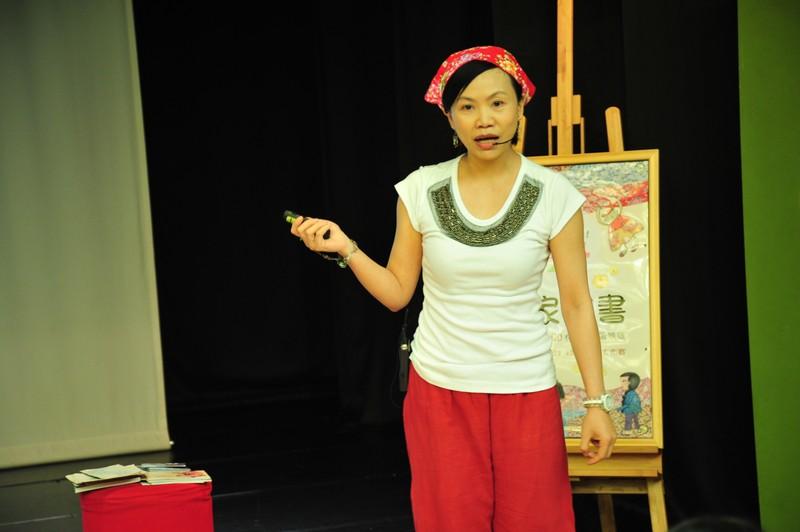 作家說書:8/30:林芳萍《紅花仔布的秘密》+紅花沙包大作戰