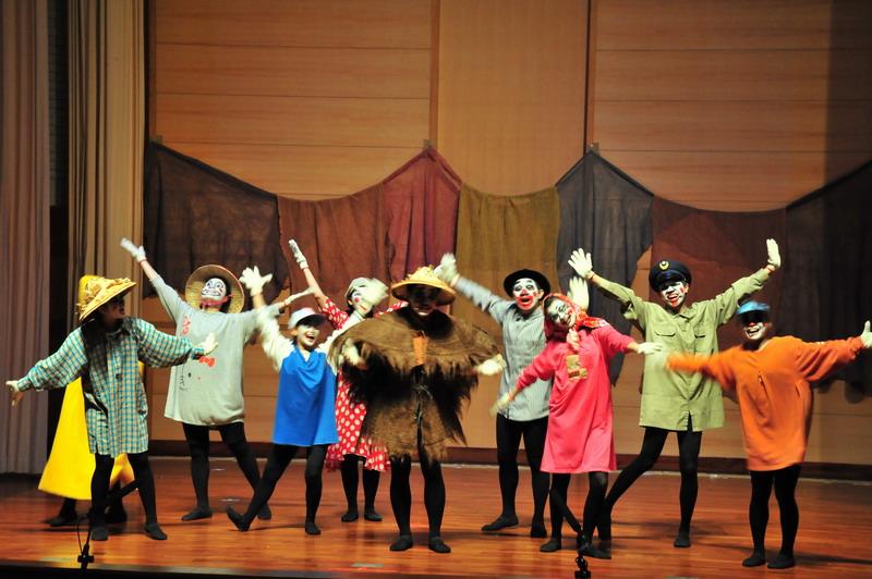 兒童文學劇場「稻草人和小麻雀」