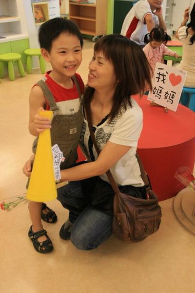 說愛來文學館─母親節來台灣文學館歡度
