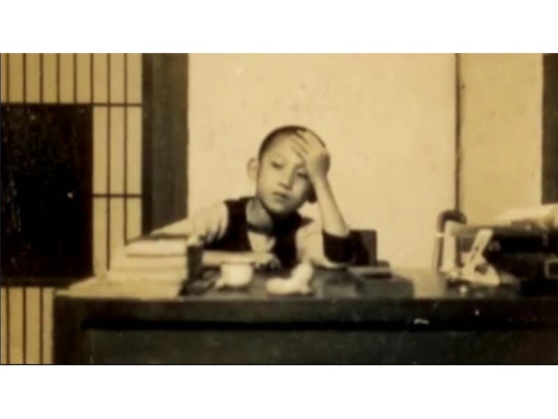 <p>舉家再遷台北,住同安街「紀州庵」。入國語實小,因學歷不全,勉強編入三年級下期,春季班。</p> <p>&nbsp;</p> <p>(註:照片由王文興提供)</p>